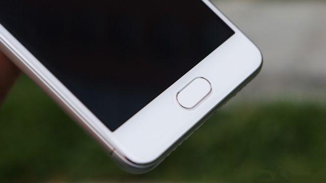 Review Meizu M3s: metal smartphone with fingerprint reader for $110